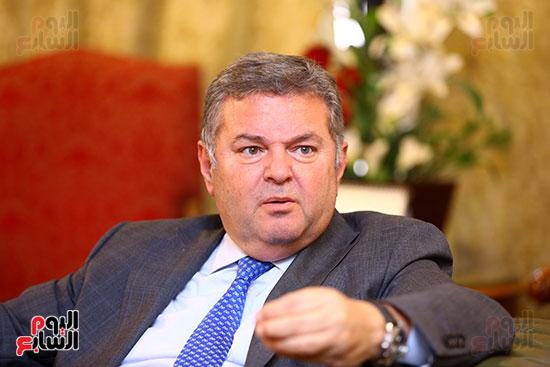 وزير قطاع الأعمال هشام توفيق مع اليوم السابع (10)