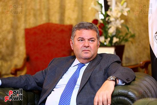 وزير قطاع الأعمال هشام توفيق مع اليوم السابع (9)