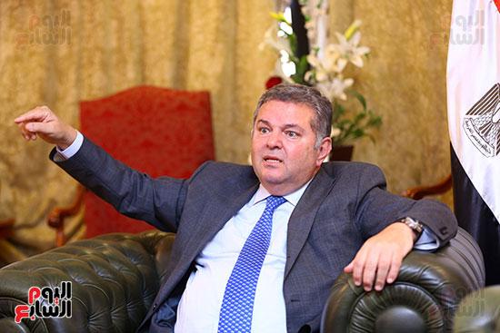 وزير قطاع الأعمال هشام توفيق مع اليوم السابع (16)