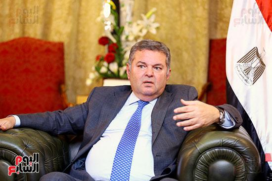 وزير قطاع الأعمال هشام توفيق مع اليوم السابع (13)