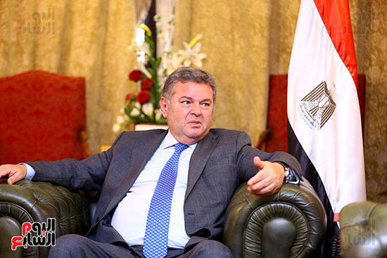 وزير قطاع الأعمال هشام توفيق مع اليوم السابع (1)