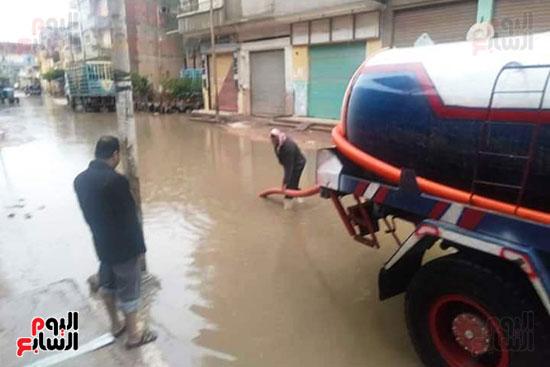 هطول أمطار رعدية علي مدن الشرقية لليوم الثاني (2)