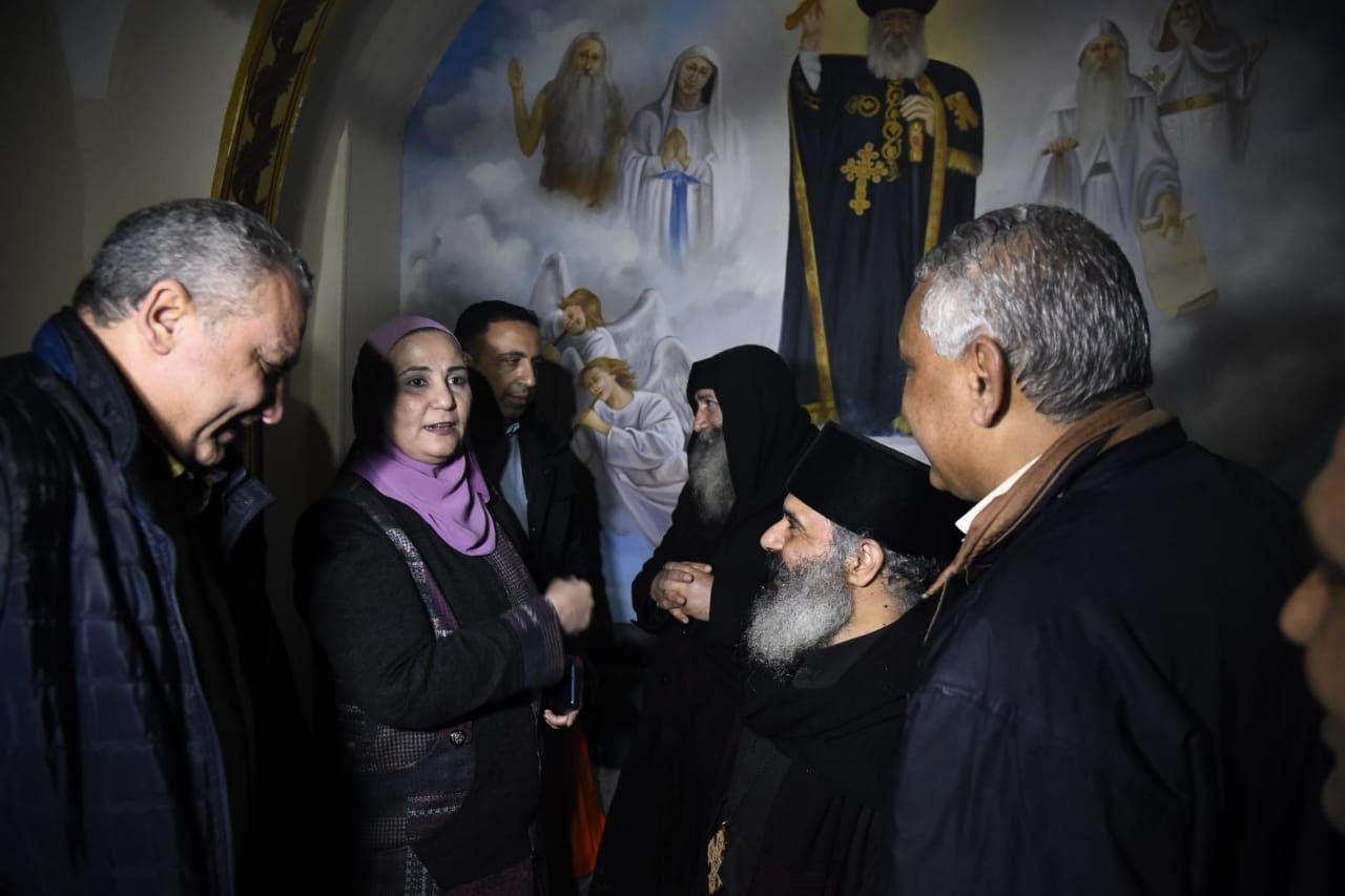 وزيرة التضامن  تزور منطقة الزرايب  (2)