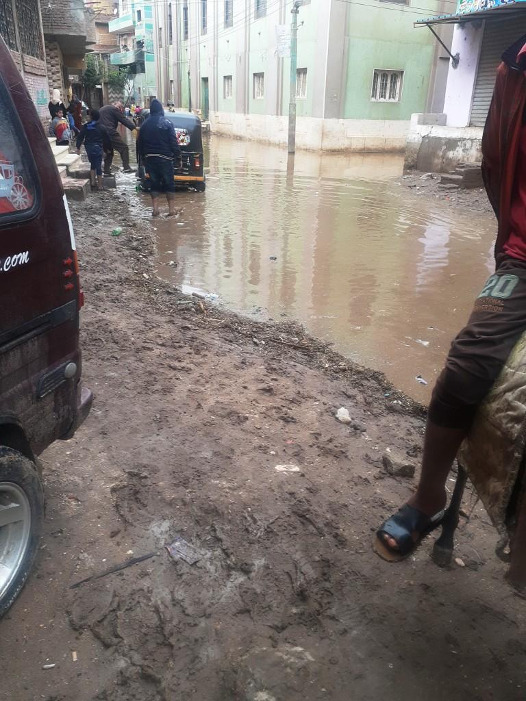 مياه الأمطار تحاصر قرية شطانوف بالمنوفية (9)