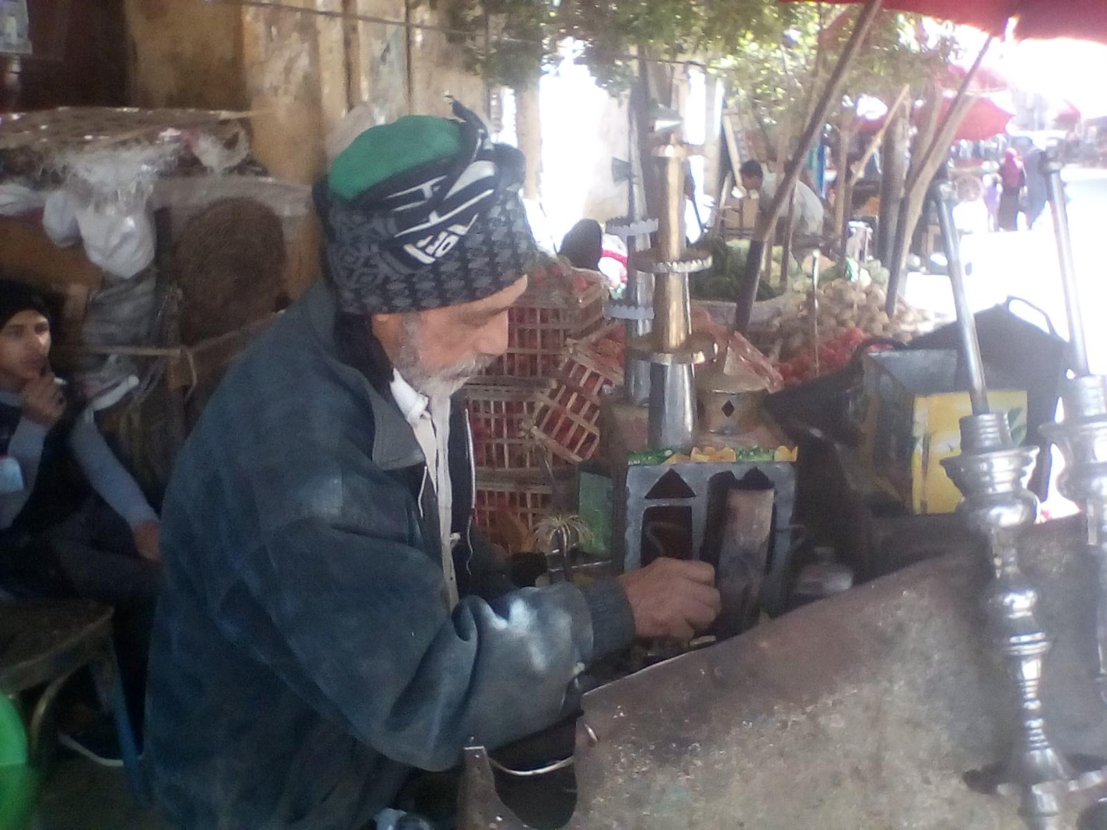 عم عبد النبى صانع الفوانيس  (4)