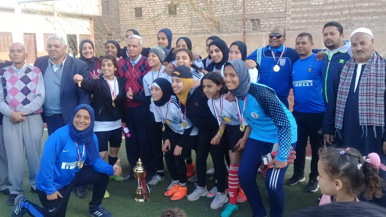 فريق كرة القدم النسائية بمركز شباب البرجاية بالمنيا (2)