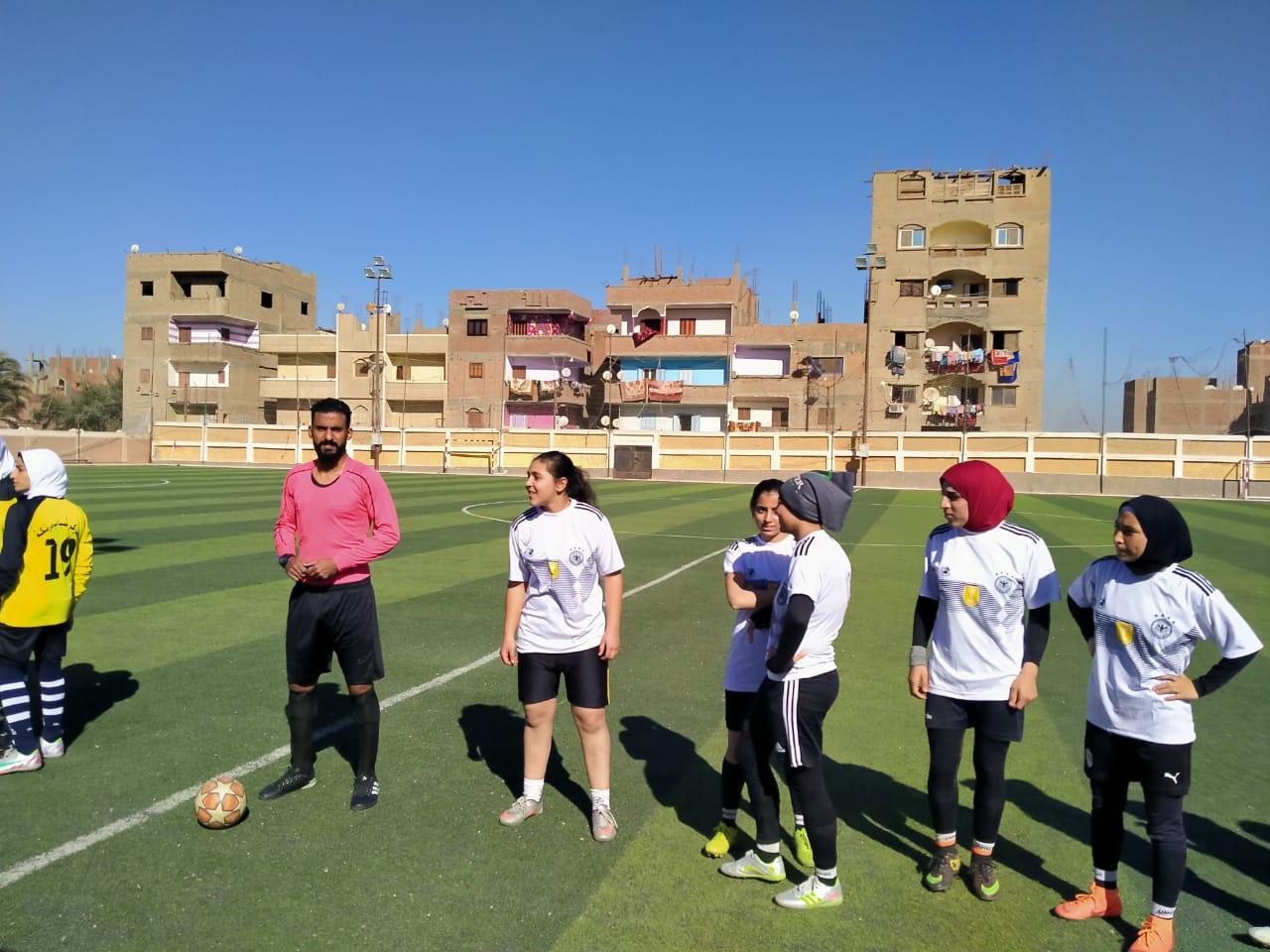 فريق كرة القدم النسائية بمركز شباب البرجاية بالمنيا (5)