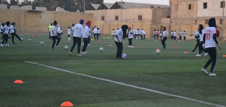 فريق كرة القدم النسائية بمركز شباب البرجاية بالمنيا (6)