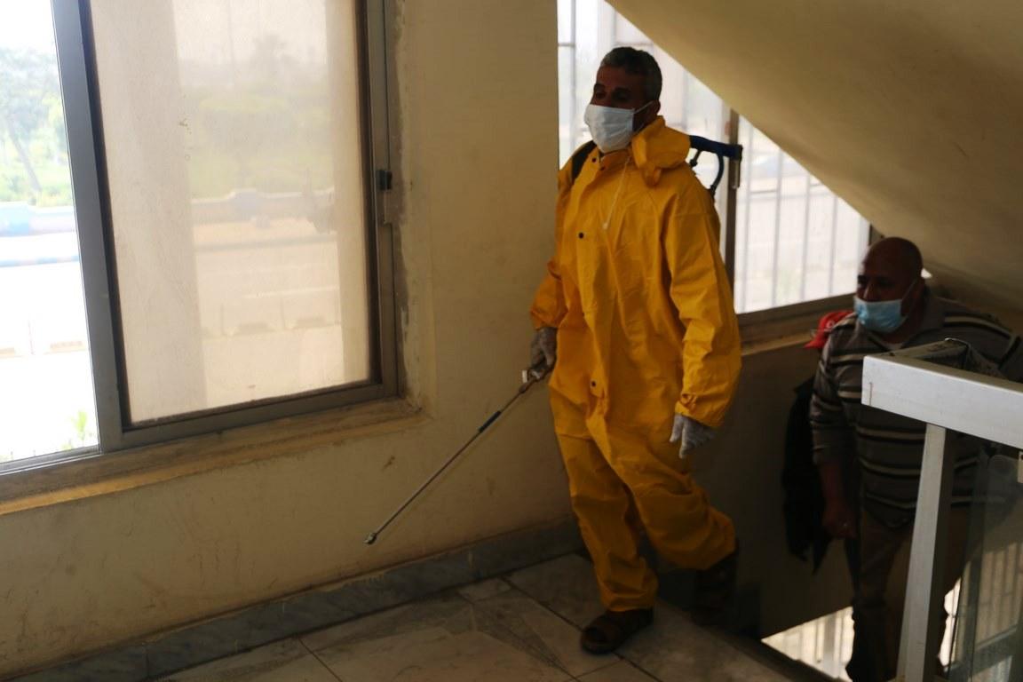 بدء حملة تطهير المنشآت الحكومية لمواجهة فيروس كورونا بالسويس (1)