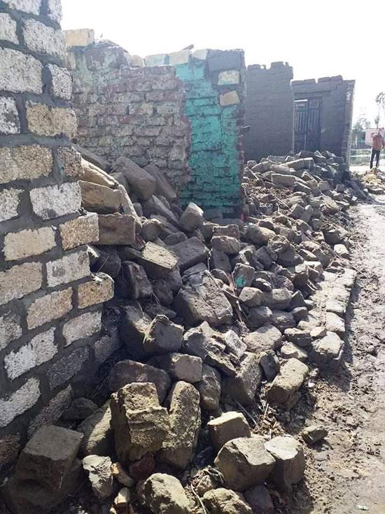 غرق الأرضي الزراعية وعشرات المنازل بقرية بحر البقر (9)