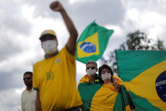 مظاهرة فى البرازيل خوفا من كورونا