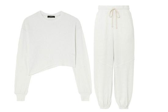 بدلة بيضاء