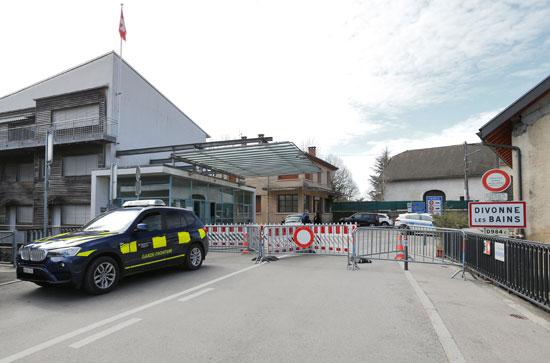 الحدود-المغلقة-بين-سويسرا-وفرنسا