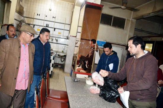 حملات على المقاهى لمصادرة الشيش (7)