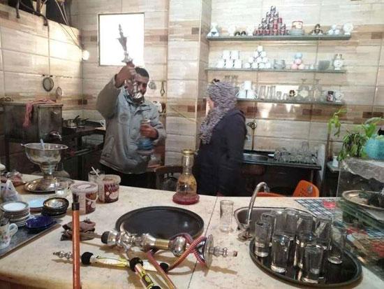 حملات على المقاهى لمصادرة الشيش (12)