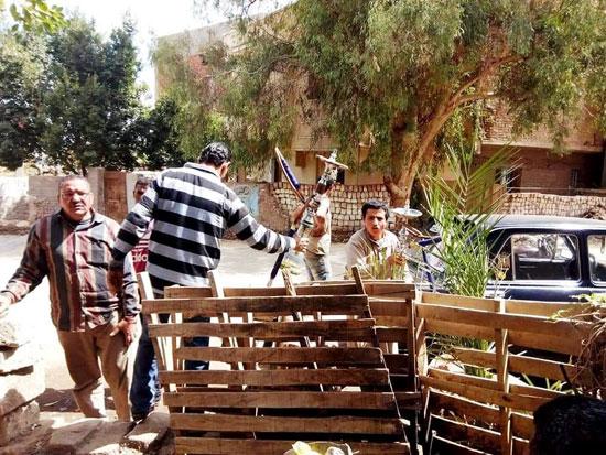 حملات على المقاهى لمصادرة الشيش (21)