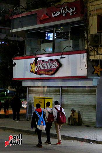إغلاق المطاعم والكافيهات (1)