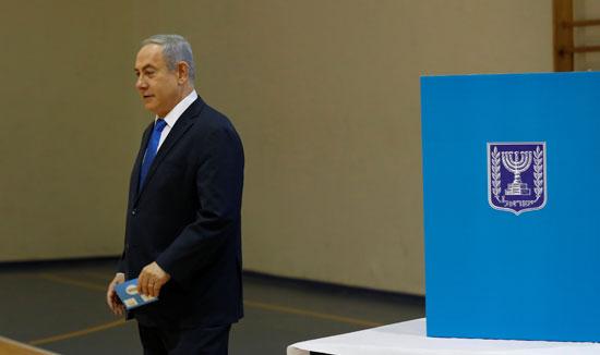 رئيس-الوزراء-الإسرائيلى-بنيامين-نتنياهو-يدلى-بصوته