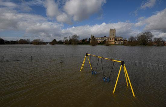 غرق المنازل فى بريطانيا