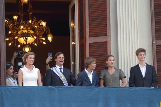 رئيس أورجواى يحيي مؤيديه
