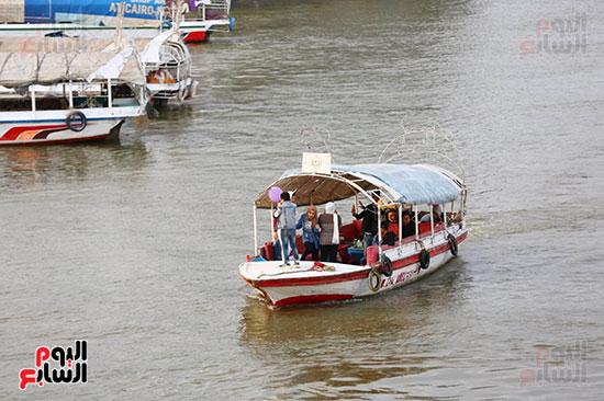 الرحلات النيلية لم تتوقف رغم مطالبة الحكومة المواطنين بالبقاء بالمنازل