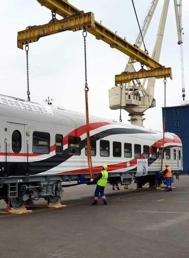 -العربة الجديدة بالسكة الحديد (4)