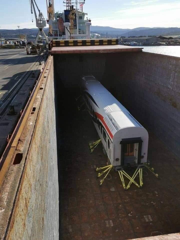 -العربة الجديدة بالسكة الحديد (1)