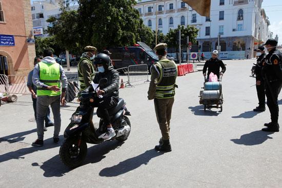 فرض حالة الطوارئ الصحية بشوارع المغرب