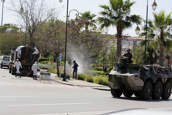 مركبات الجيش المغربى بالشوارع لفرض حالة الطوارئ