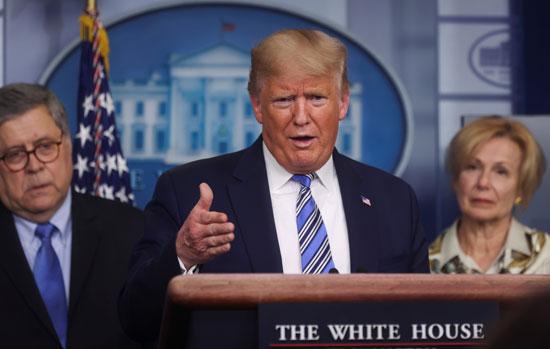 الرئيس-الأمريكي-ترامب-يقود-جلسة-إحاطة-إعلامية-يومية-لقوة-المهام-الخاصة-بالفيروس-التاجي-في-البيت-الأبيض-في-واشنطن