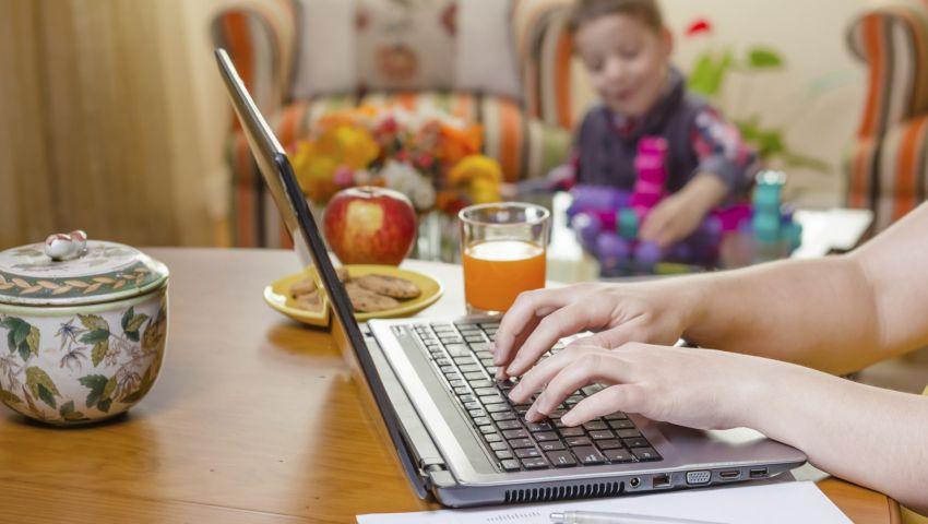 العمل من المنزل مع الأطفال