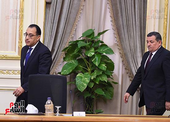 مؤتمر صحفي لرئيس الوزراء (1)