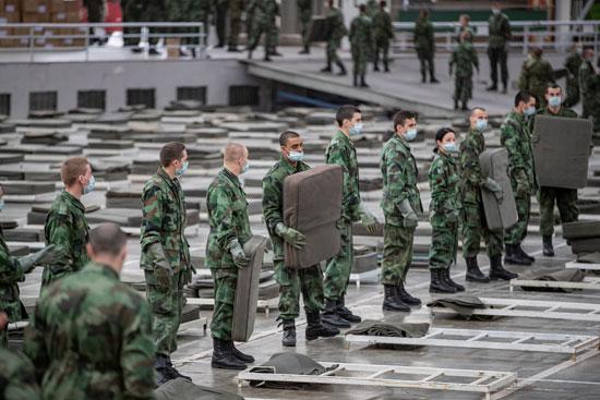 جنود-وضباط-يقيمون-مستشفى