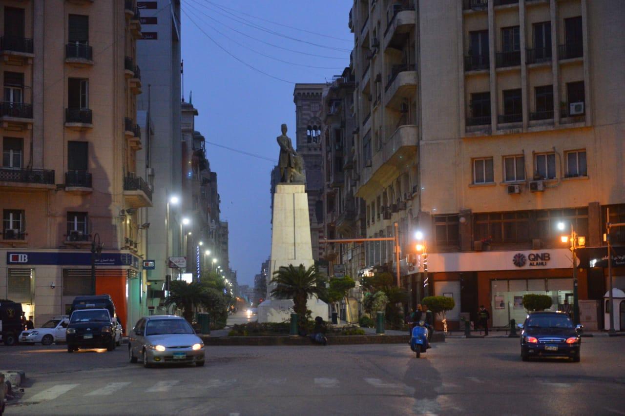 بداية حظر التجوال وسط القاهرة