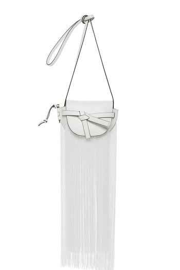 أحد تصميمات حقيبة الشراشيب