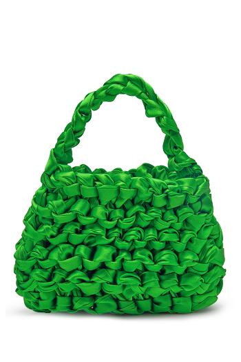 موضة الحقيبة الخضراء