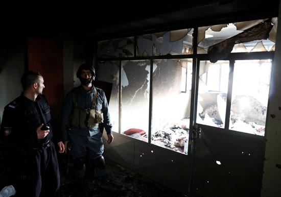 القوات الأمنية بموقع الانفجار