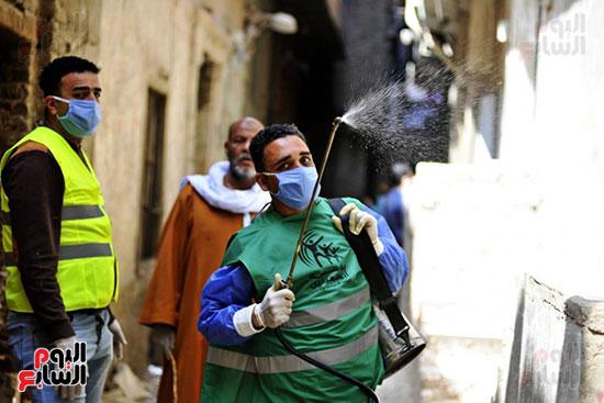محافظ الجيزة وأبو العينين ينفذان مسحا شاملا لتطهير وتعقيم الشوارع والميادين (2)