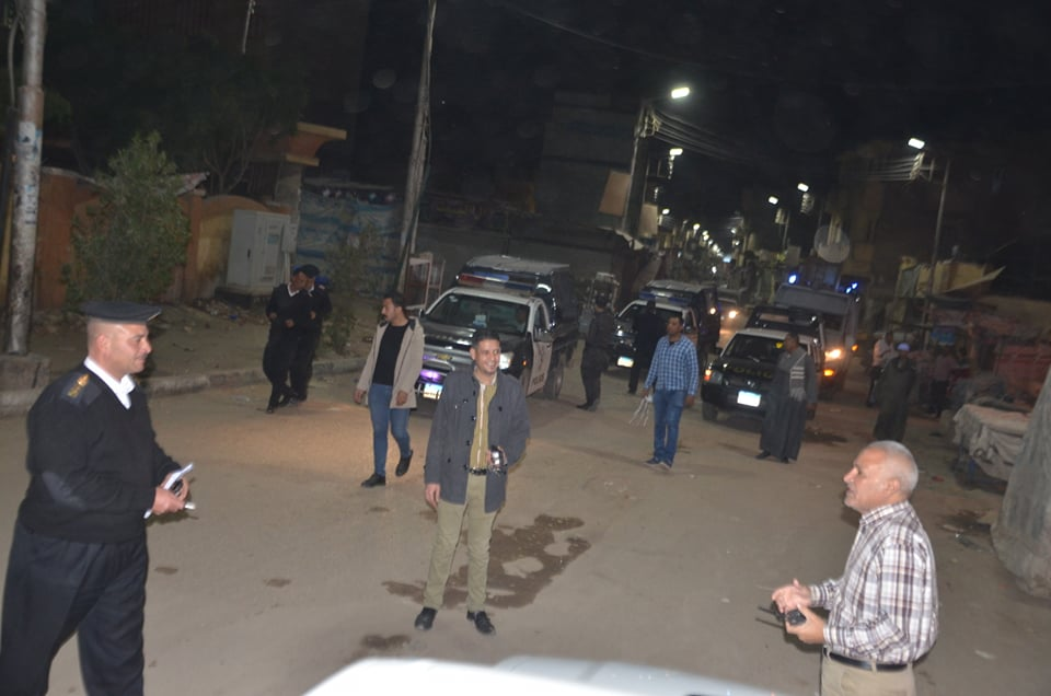 رئيس مدينة إسنا يتابع التمركزات الأمنية والكمائن