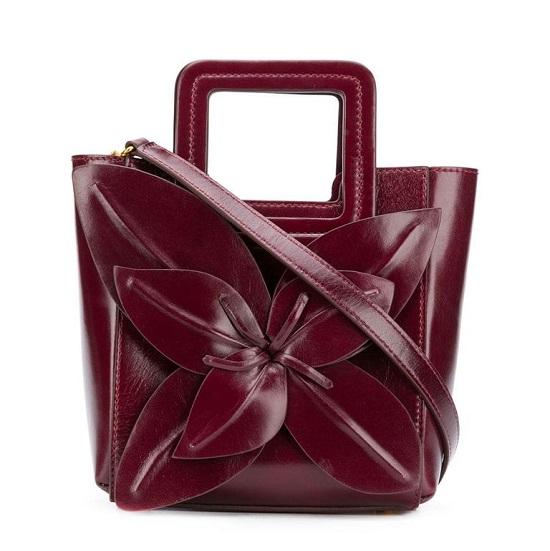 حقيبة مزينة بالأزهار