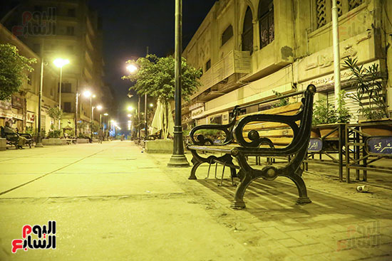 شارع-امتداد-طلعت-حرب-يخلو-من-المارة-فى-أول-أيام-الحظر