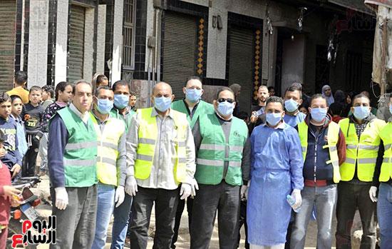 محافظ الجيزة وأبو العينين ينفذان مسحا شاملا لتطهير وتعقيم الشوارع والميادين (3)