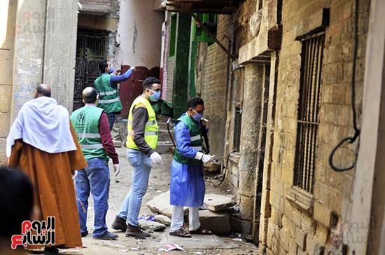 محافظ الجيزة وأبو العينين ينفذان مسحا شاملا لتطهير وتعقيم الشوارع والميادين (5)