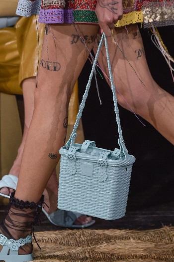 حقيبة السلة من  Viktor & Rolf