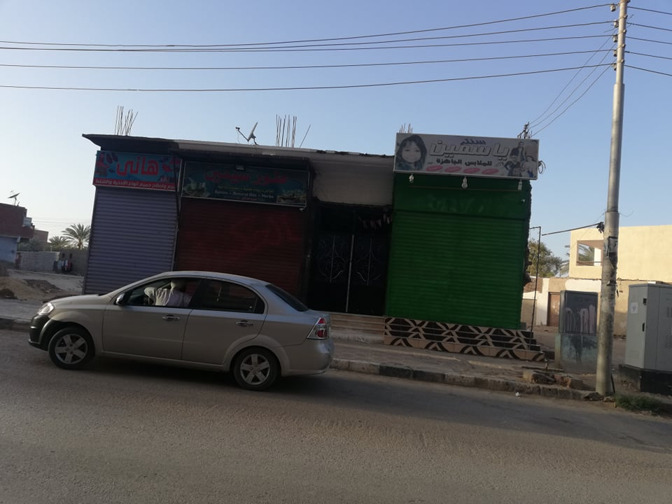 التزام اصحاب المحلات بالوادى الجديد  بقرار الغلق فى الخامسة مساءا  (3)