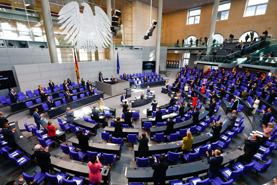 البرلمان الالمانى يناقش ازمة كورونا