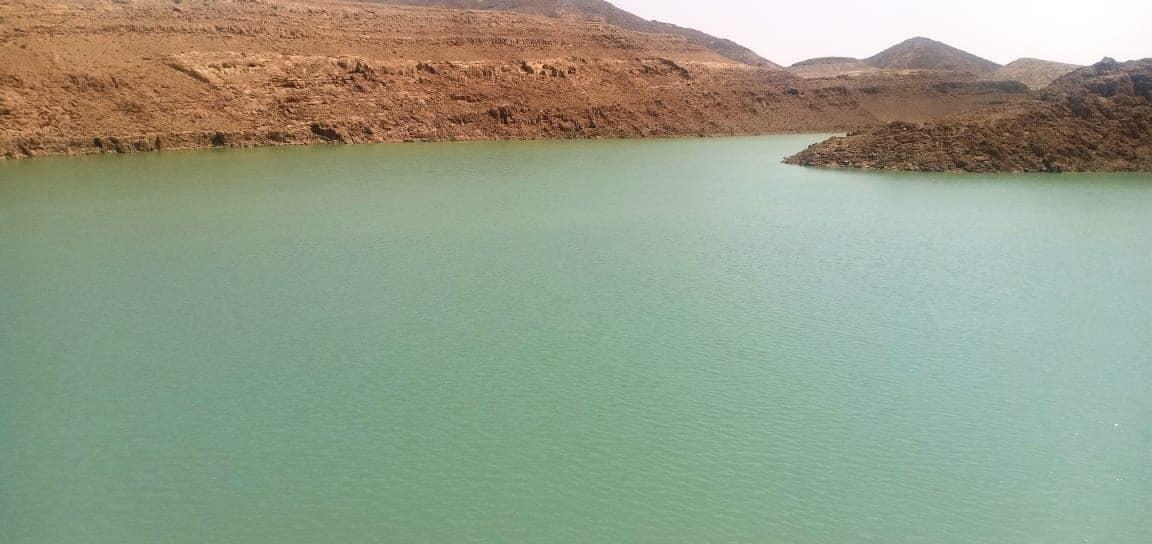 تخزين مليون متر مكعب من مياه السيول بسد الكرم بوسط سيناء (2)