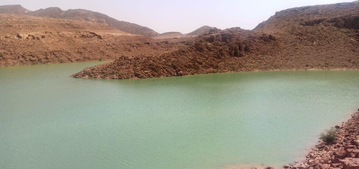 تخزين مليون متر مكعب من مياه السيول بسد الكرم بوسط سيناء (6)