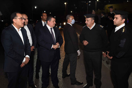 رئيس الوزراء فى جولة لمتابعة تطبيق إجراءات حظر التجوال (8)
