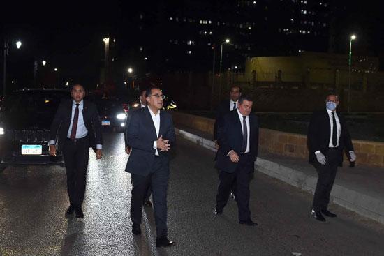 رئيس الوزراء فى جولة لمتابعة تطبيق إجراءات حظر التجوال (2)